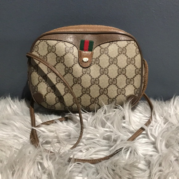 Gucci Handbags - Gucci crossbody